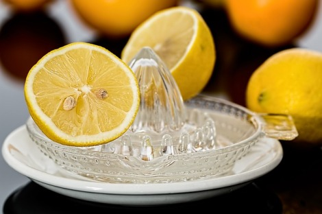 professional-voice-blog-household-items-keep-voice-and-skin-healthy-beauty-diet-detox-apple-cider-vinegar-baking soda-skin-acne-acid reflux-organic-natural-healthy-skin-flawless-keratosis-remedy-colorado-voice-ENT-lemon-detox-diet-opperman-denver