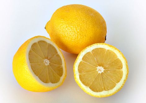 Lemons to Keep Your Throat Clear & Clean