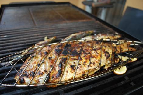 If you opt for fish, go for a fish low in fats or you may have accidentally chosen an even worse alternative. Avoid high-fat fish like salmon or tuna.